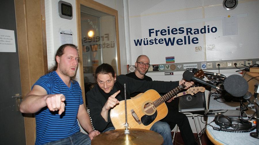 Radio_15